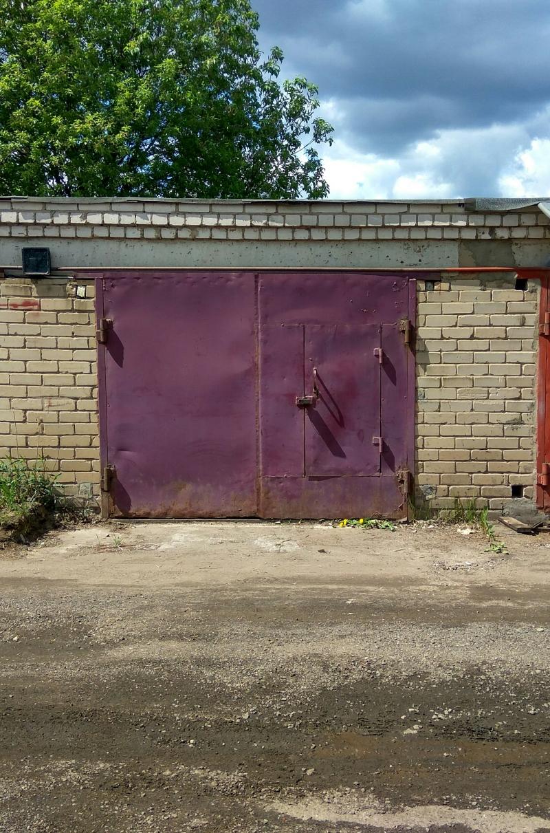 Продается капитальный кирпичный гараж
