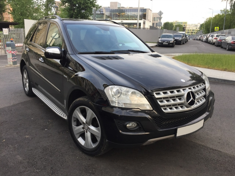 Продаю Mercedes-Benz ML CDI 211 л.с. 4WD. Рестайлинг