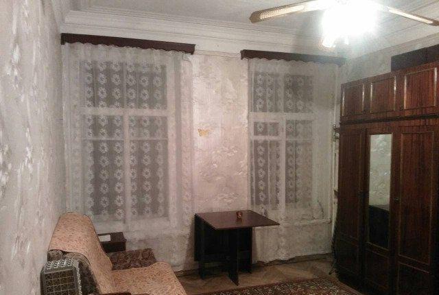 Комната 15 м2, в 4-х комнатной квартире.