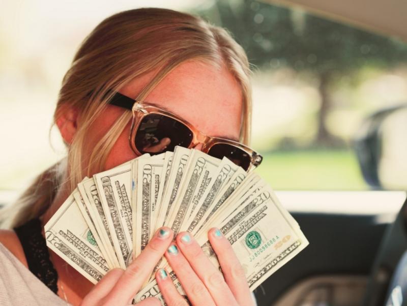 Высоко оплачтваемая работа для не скромных девушек.